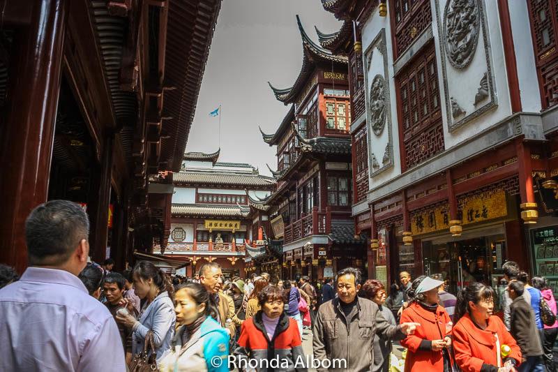 Yu Yuan Garden and Bazaar in Shanghai, China