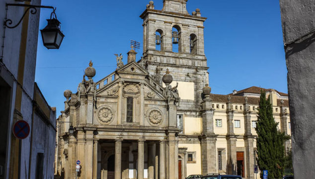 30 Free Things to Do in Evora Portugal – More than Just an Ossuary