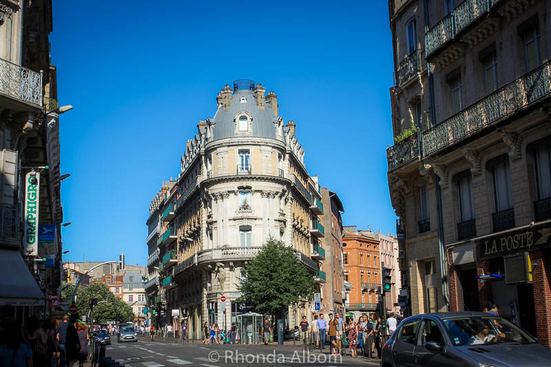 Narrow streets, and fascinating architecture in Toulouse France