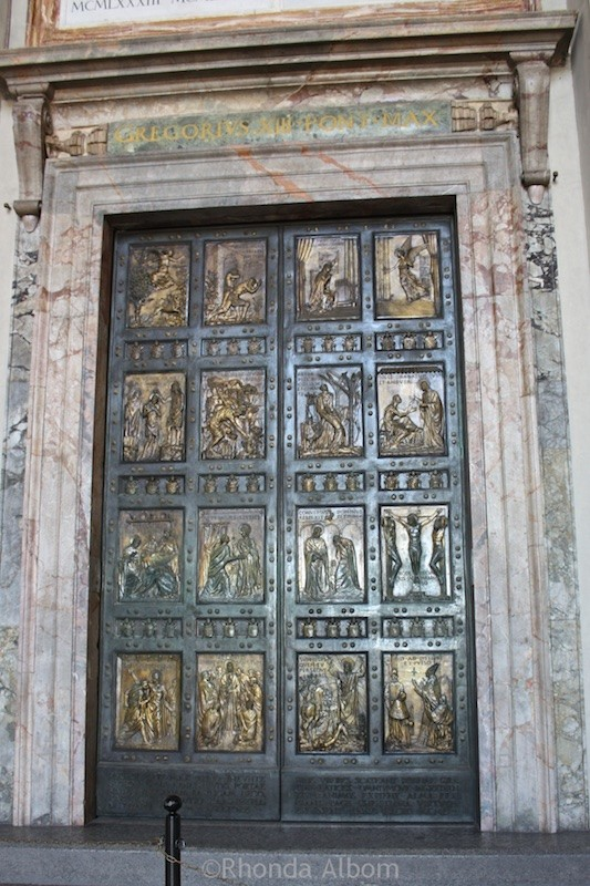 These Holy doors open once each 25 years to Basilica in Vatican City