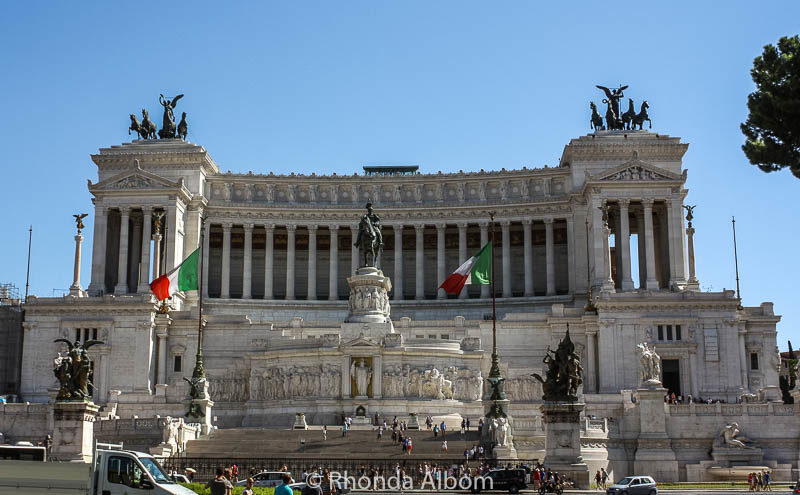 """""""The Wedding Cake"""" in Rome, Italy"""