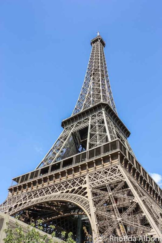 under the eiffel tower -#main