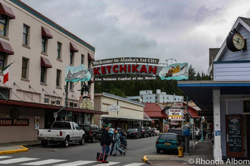 """The historic """"Welcome to Ketchikan"""" sign in Alaska"""