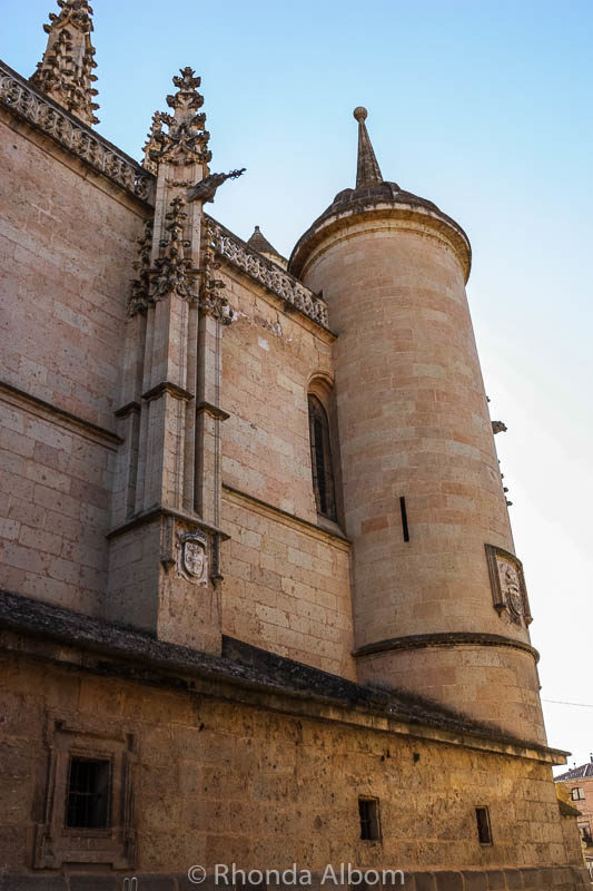 The Segovia Cathedral is one of many impressive things to see in Segovia Spain