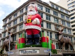 Photos: Giant Santa, a Holiday Icon in Auckland, New Zealand