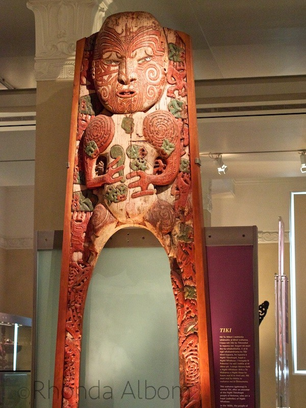 Maori carving at the Auckland Museum in New Zealand