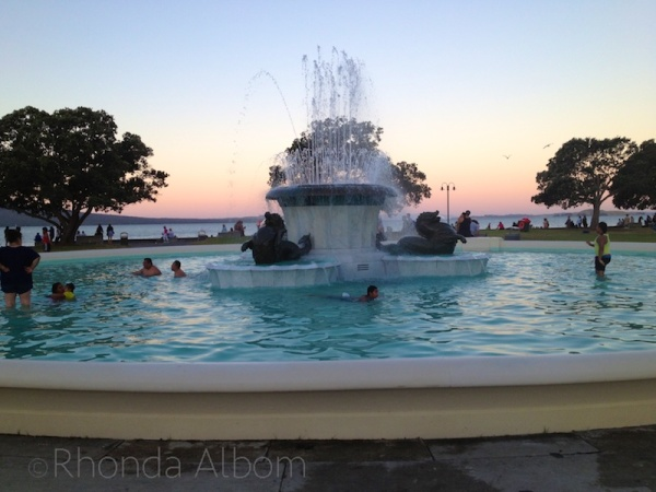 F is for fountain amazing auckland atoz - University of auckland swimming pool ...