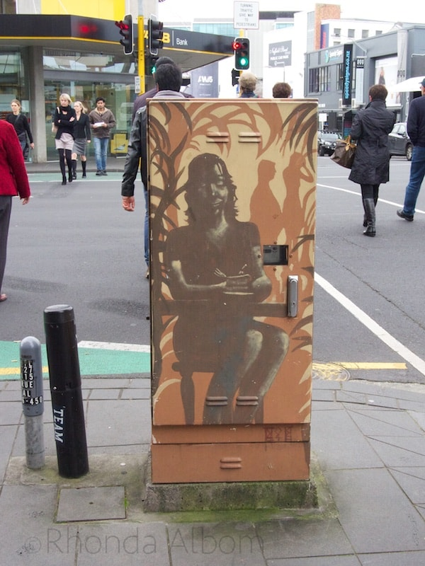 A painted electric box in Newmarket, Auckland New Zealand