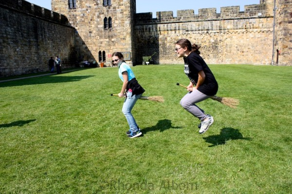 Broomstick FlyiThe broomstick flying illusion is more difficult to see in this photo ng in Alnwick Castle England