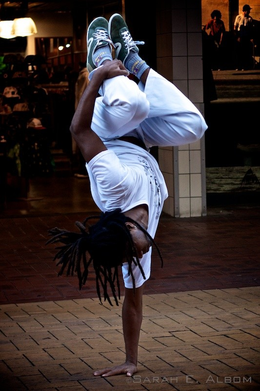 Creative capoeira street performers in Wellington New Zealand photo by Sarah Albom