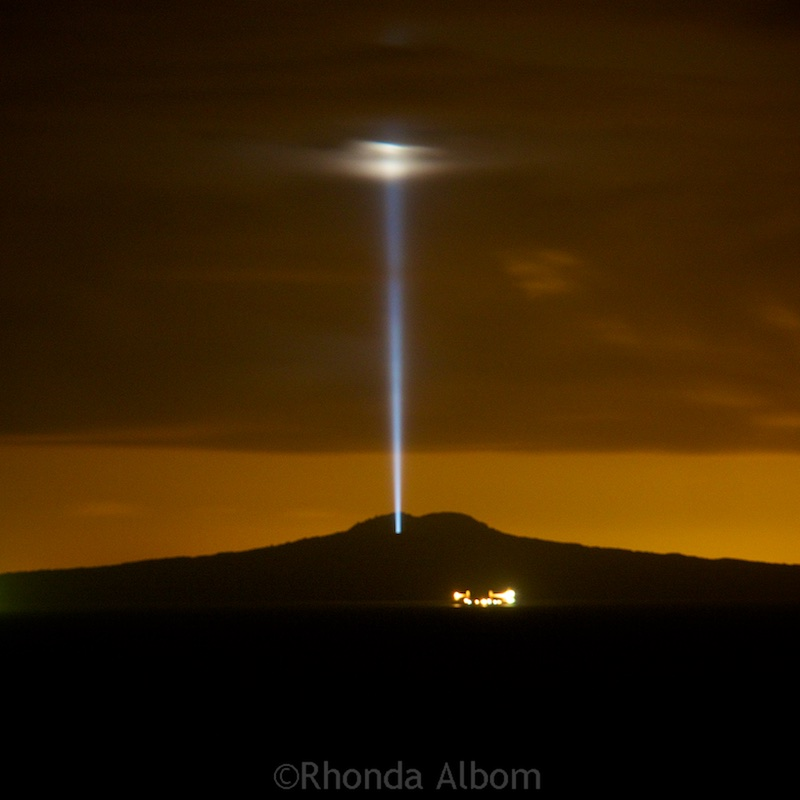 Light beam over Rangitoto Island outside Auckland New Zealand seen on 31 Jan 2016