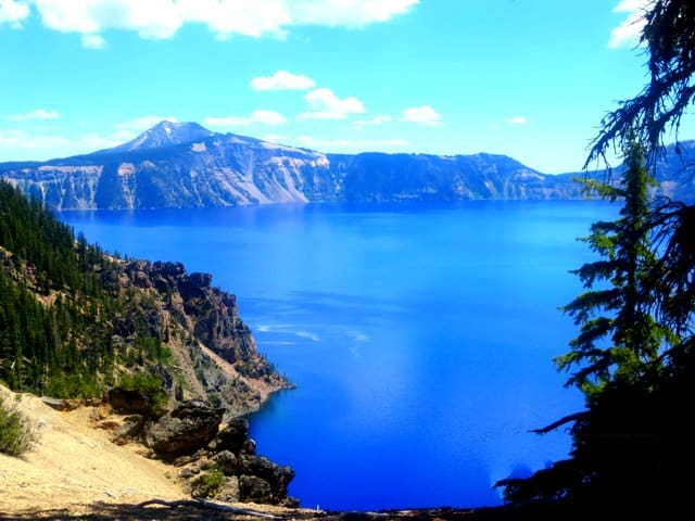Crater Lake, Oregon. Photo by Lyn Lindfield or the Travelling Lindfields