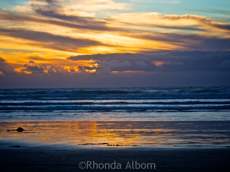 Sunset on 90 mile beach in New Zealand