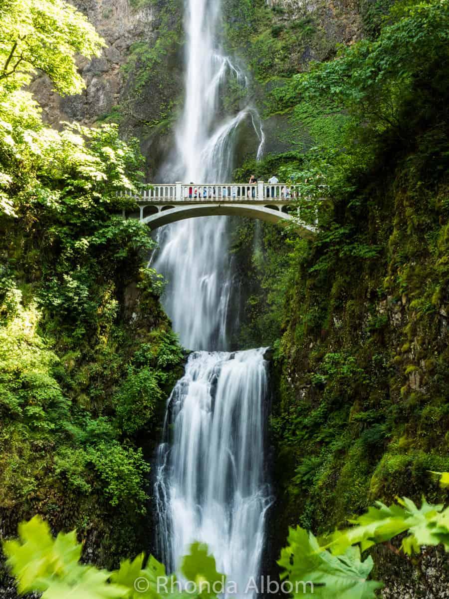 Multnomah Falls and Benson Foot bridge in Oregon