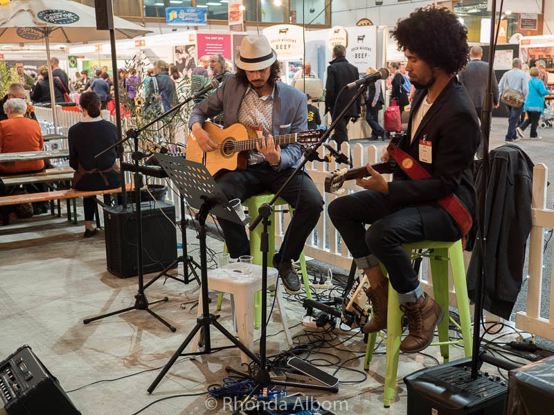 Live entertainment in the food court at the Auckland Food Show 2016