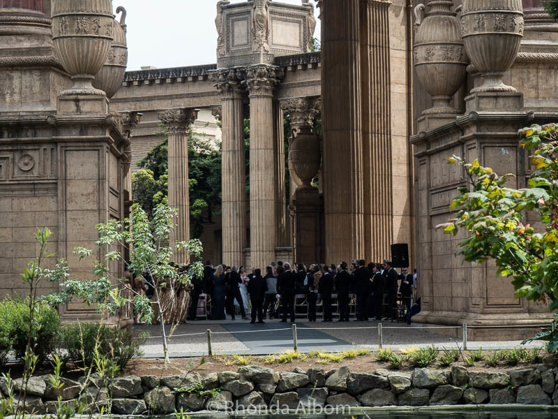 A wedding in the rotunda at the Palace of Fine Arts in San Francisco Califronai