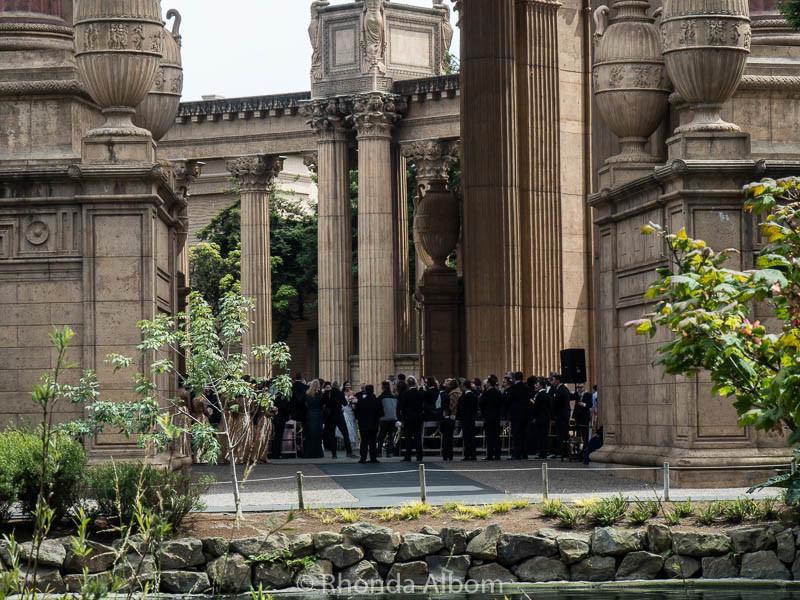 A wedding in the rotunda at the Palace of Fine Arts in San Francisco Califronai