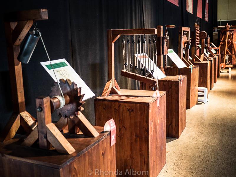 physics and mechanics machines by da Vinci