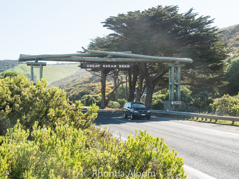 Memorial Arch at Eastern View on the Great Ocean Road in Victoria Australia
