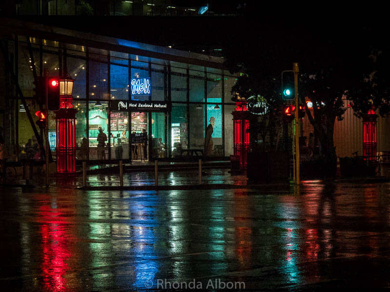 Rainy Auckland Night: A New Zealand Photo Essay
