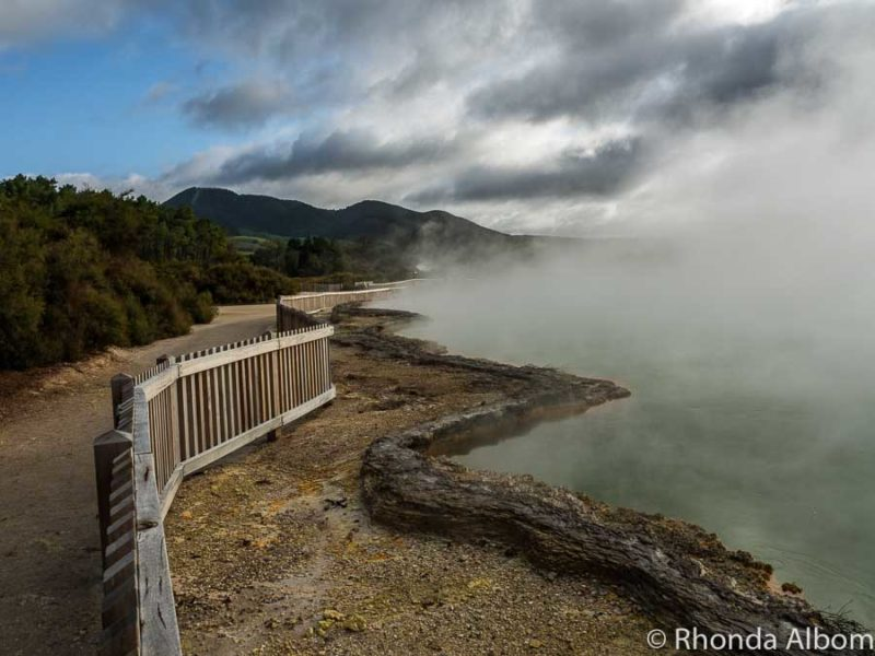 Champagne Pool Wai-O-Tapu, Rotorua New Zealand