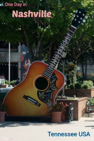 Grand Ole Opry is just one of many interesting things to see in Nashville Tennessee. With this guide, you can discover the best things to do in Nashville in a day, or at night.