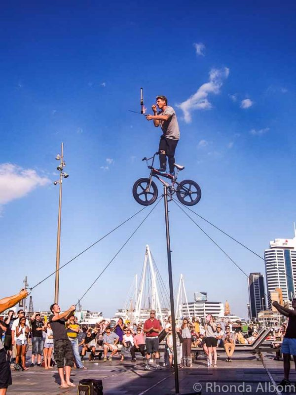 Auckland Festivals: Buskers Fest in New Zealand