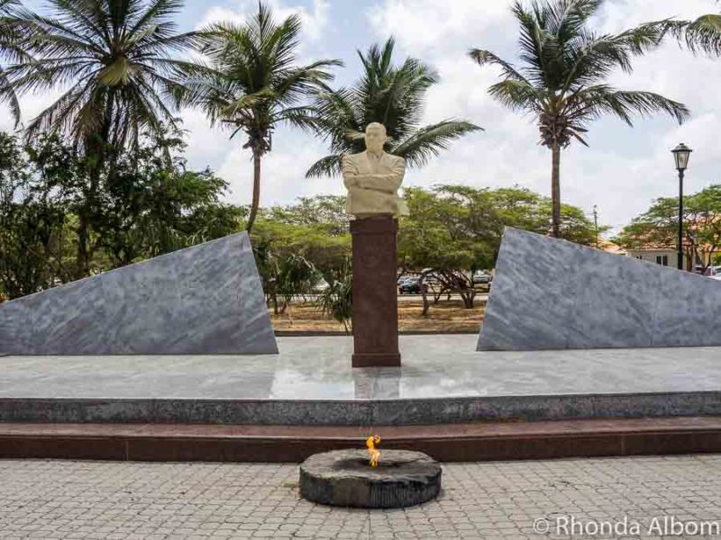 Statue of Shon A Eman