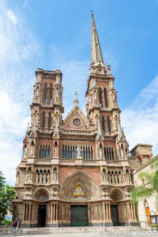 Iglesia de los Capuchinos Cordoba Argentina in the daytime