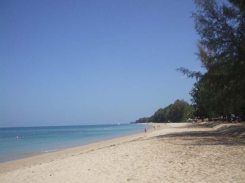 Endless white sand beach of Long Beach, Koh Lanta in Thailand