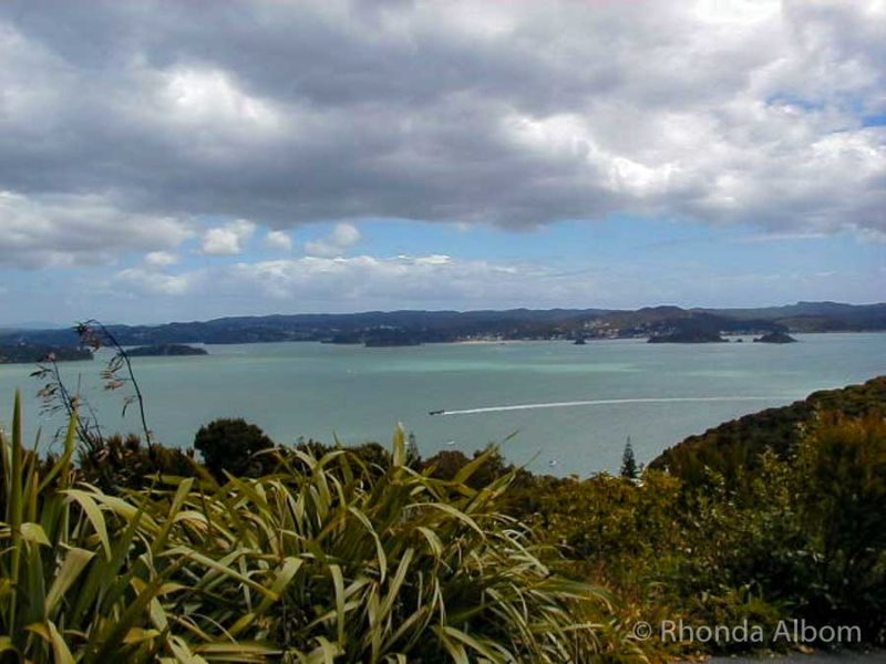 View out to the Bay of Islands from Flag Staff Hill