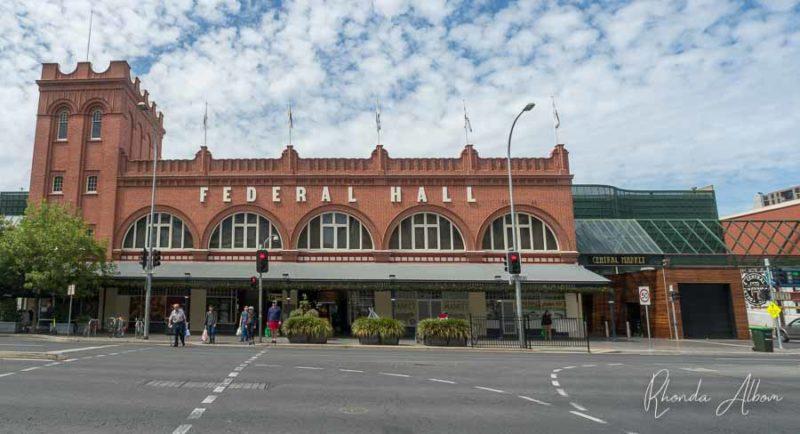 La fachada de ladrillo del Mercado Central de Adelaida, Australia del Sur