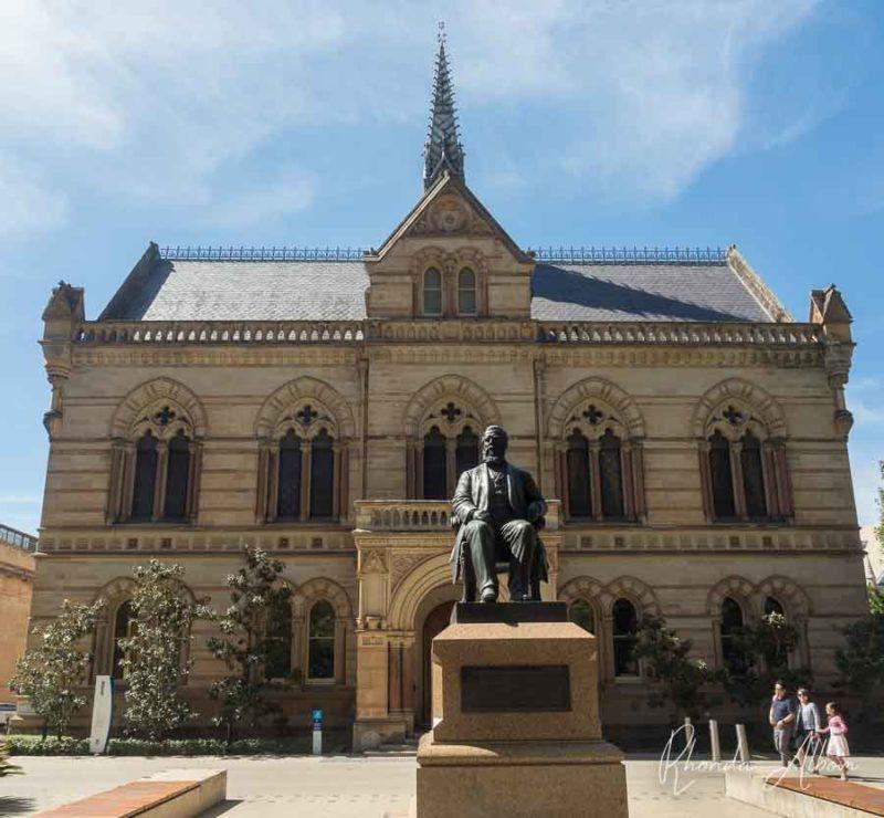 Uno de los edificios de la Universidad de Adelaida en Australia del Sur