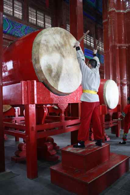 drumming in hutongs