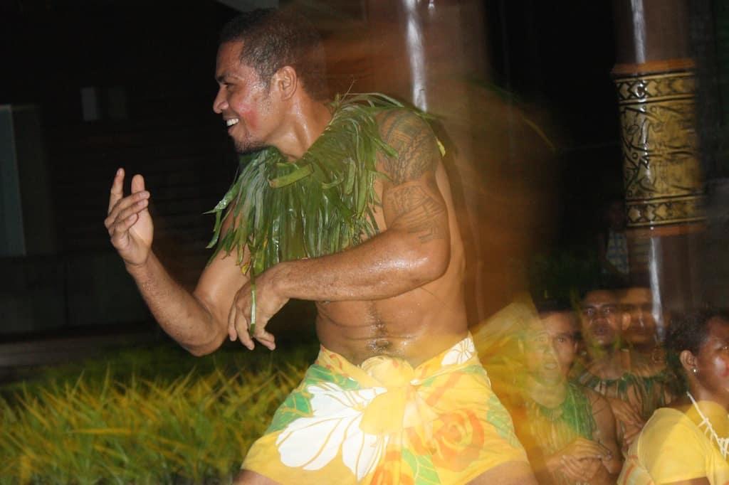 Fiafia dancer