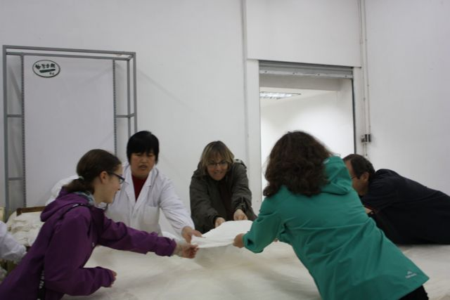 making a silk blanket - world schooling in China