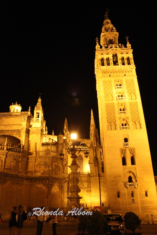 Cathedral y Giralda, Seville Spain at night