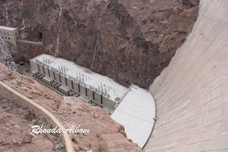 A power generating station at the base of Hoover Dam